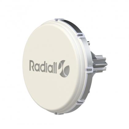 Antenne V-Band pour intégration dans de nouveaux systèmes de télécommunications, petites cellules, liaisons de liaison / de liaison et WiGig
