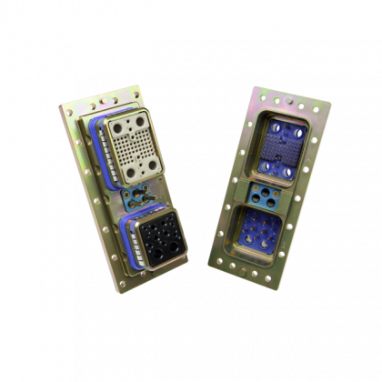 MPX series is a ruggedized version of the Arinc 600 for the civil and military aerospace markets
